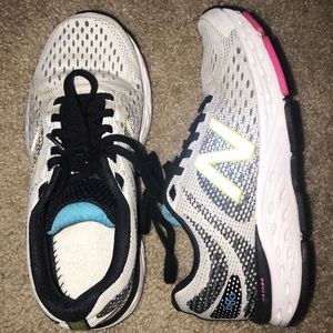 Like new New Balance Abzorb 680 v6 sneakers